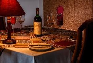 dinner-table-444797_1280